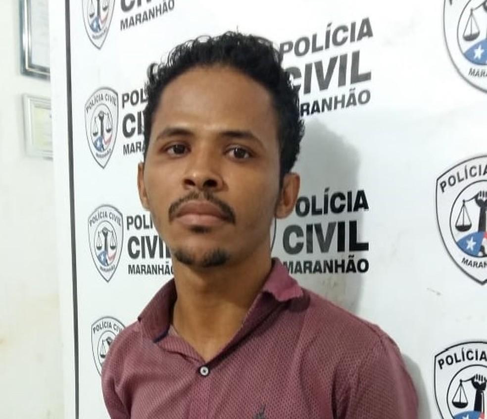 Otoniel de Araújo Lustosa Filho se passando por um médico ortopedista e aplicava golpes  — Foto: Divulgação/Polícia