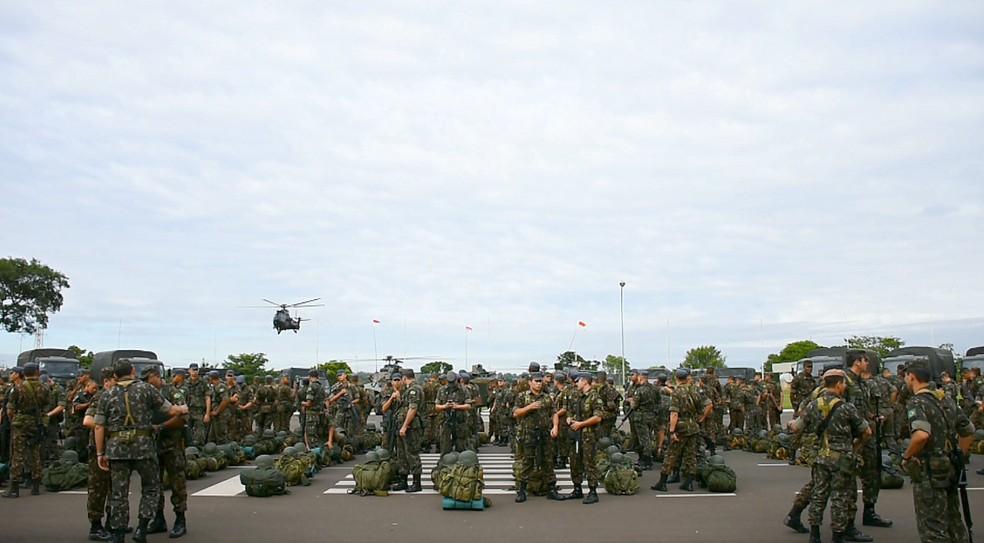 Operação serve para treinar missões em veículos aéreos  — Foto: Nilson Porcel/EPTV