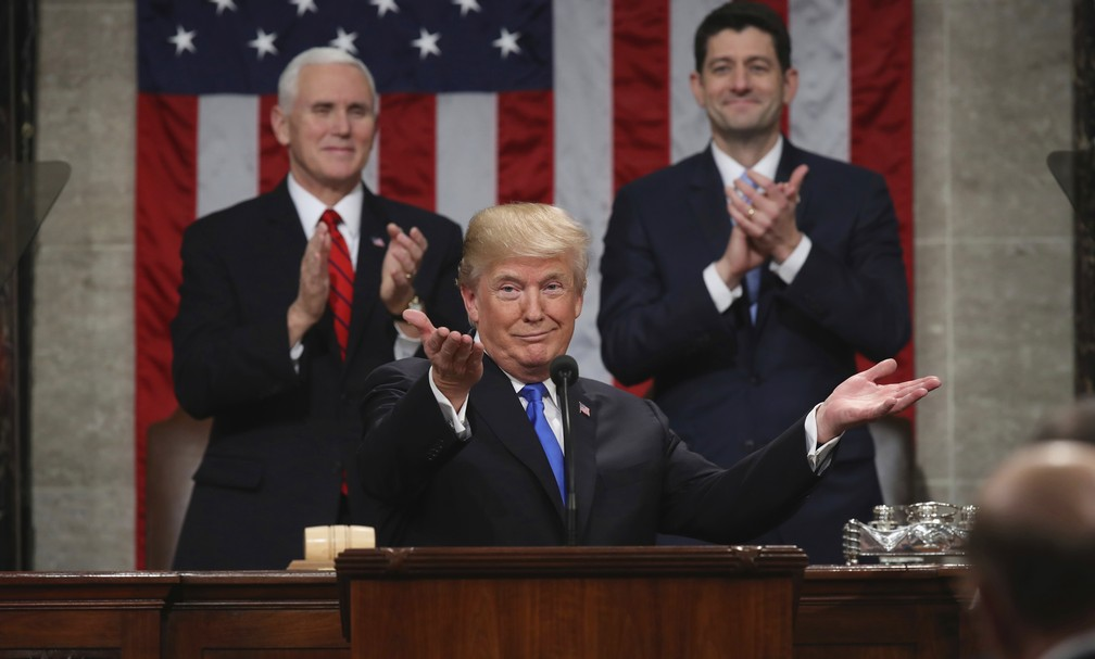 Donald Trump discursa no Congresso americano (Foto: Win McNamee/Pool via AP)
