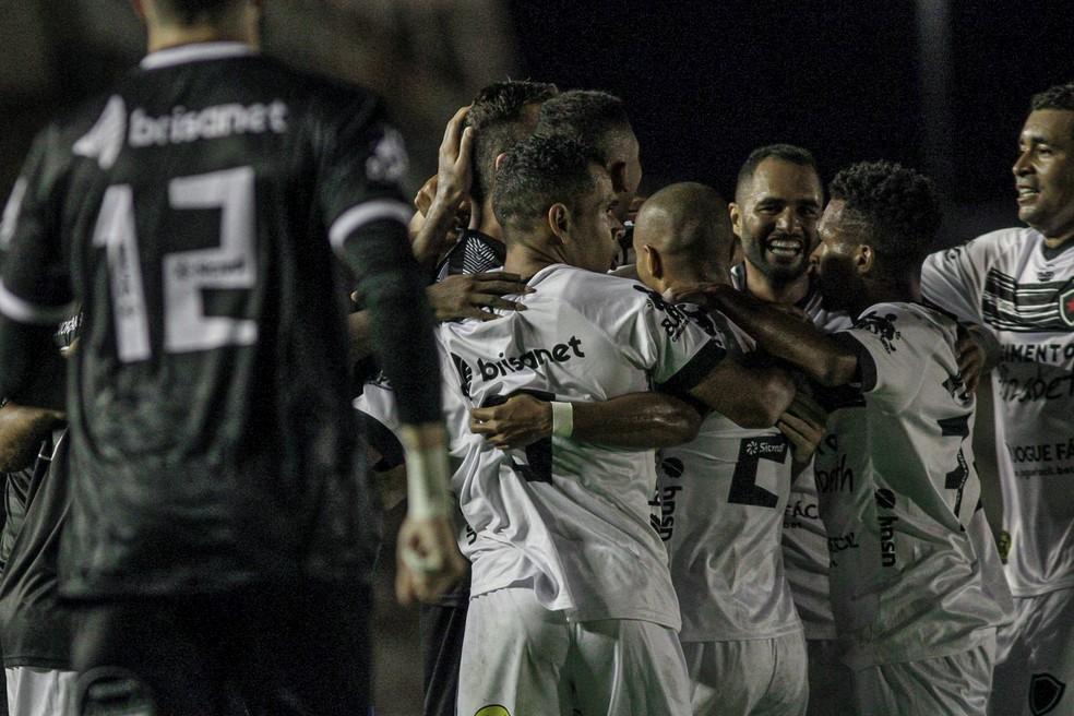 Após se livrar do rebaixamento na última rodada em 2020, Botafogo-PB terminou o primeiro turno da Série C na liderança do Grupo A — Foto: Guilherme Drovas / Botafogo-PB