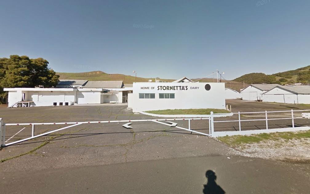 Vista da centenária loja de laticínios Stornetta Dairy, na rodovia 121, em Sonoma, Califórnia (Foto: Reprodução/Google Street View)