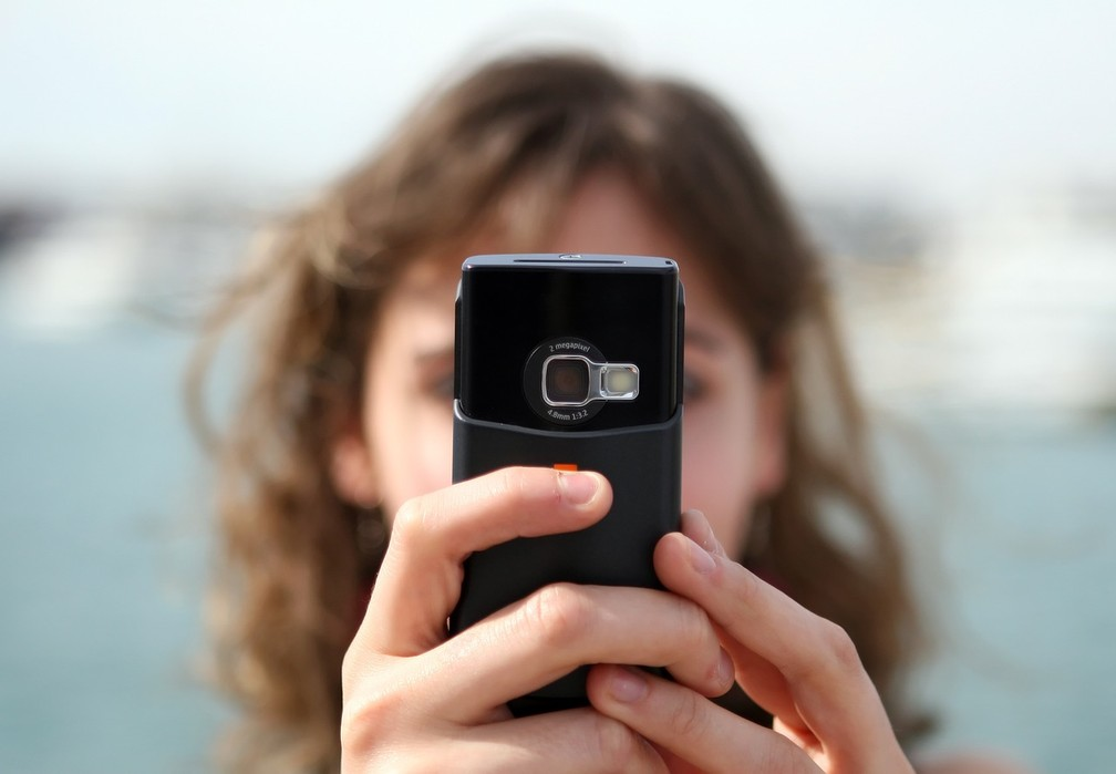 Pesquisa aponta que um em cada 20 estudantes do ensino fundamental já praticou automutilação virtual (Foto: Pixabay/CC0 Creative Commons)