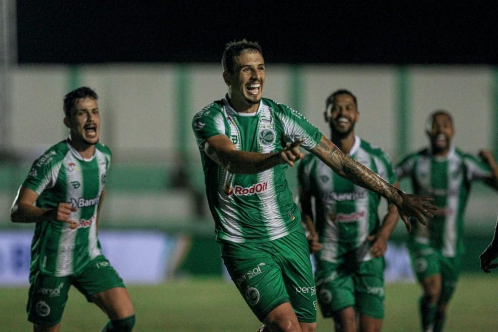 Matheus Peixoto comemora o gol pelo Juventude — Foto: Fernando Alves / EC Juventude