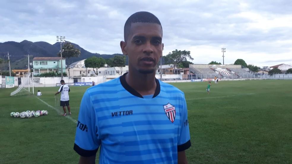 Rodrigo Lacraia, zagueiro do Serra — Foto: Richard Pinheiro/GloboEsporte.com