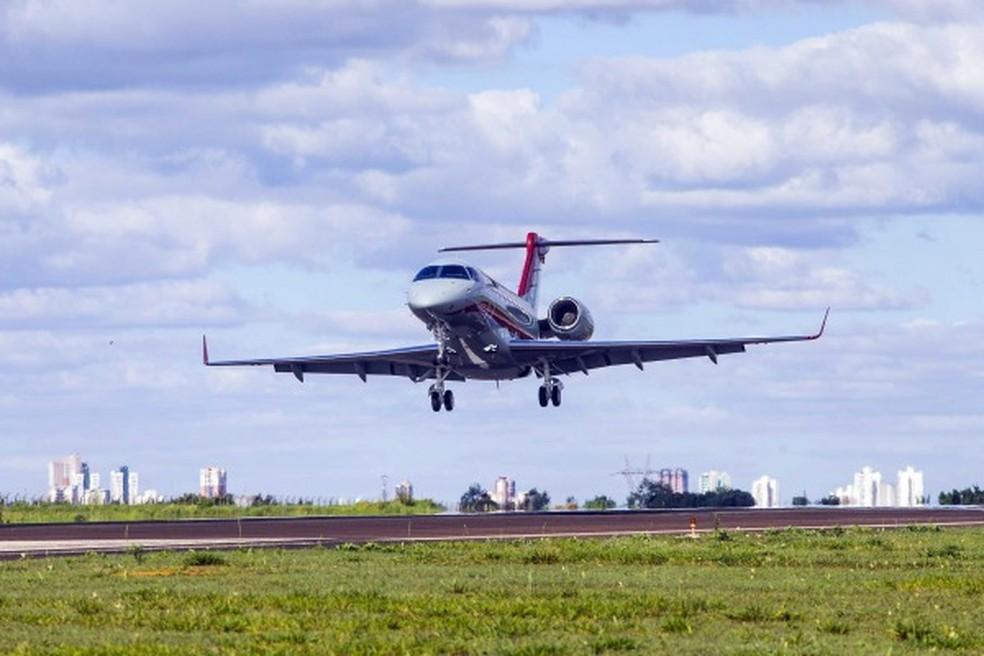 Avião de teste da FAB usado para descobrir problema em sistema em Cumbica (Foto: FAB/reprodução)