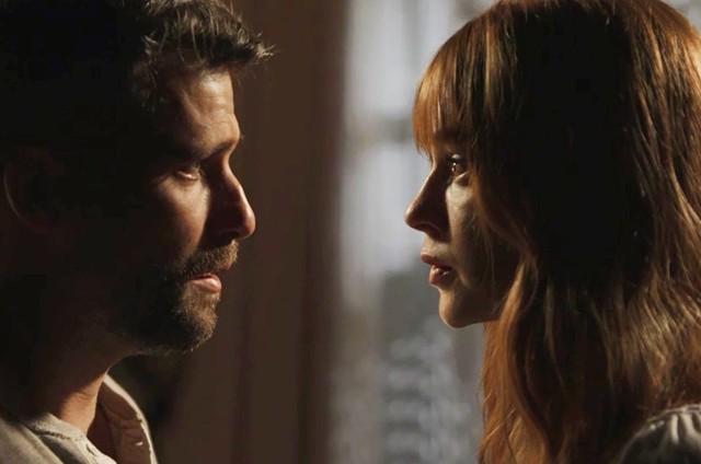 Bruno Gagliasso e Marina Ruy Barbosa em cena de 'O Sétimo Guardião' (Foto: TV Globo)