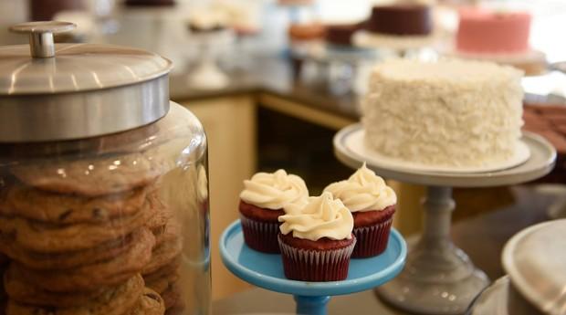 A By The Way Bakery é uma padaria especializada em produtos sem glúten. (Foto: Reprodução: Facebook)