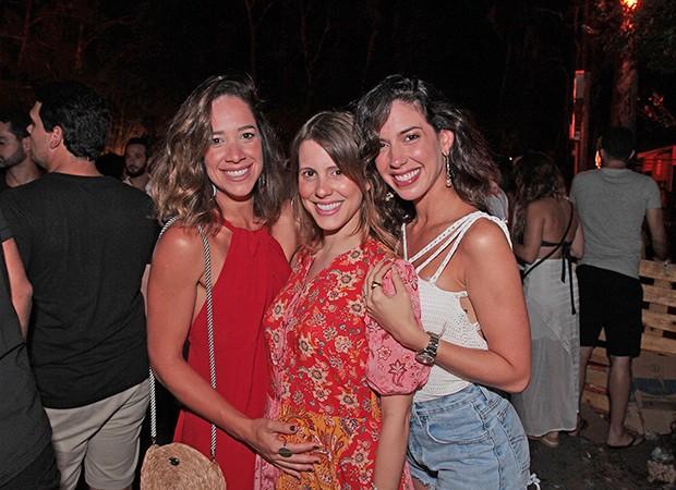 Renata Barroca, Duda Dubeux e Camila Coutinho (Foto: Vinicius Ramos/ Divulgação)