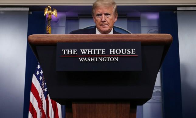 Donald Trump durante briefing sobre o coronavírus, na Casa Branca