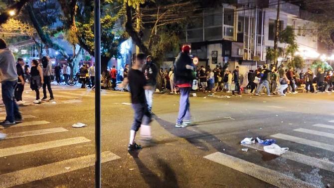 Fiscalização dispersa 2 mil pessoas em cinco pontos de aglomeração em Porto Alegre