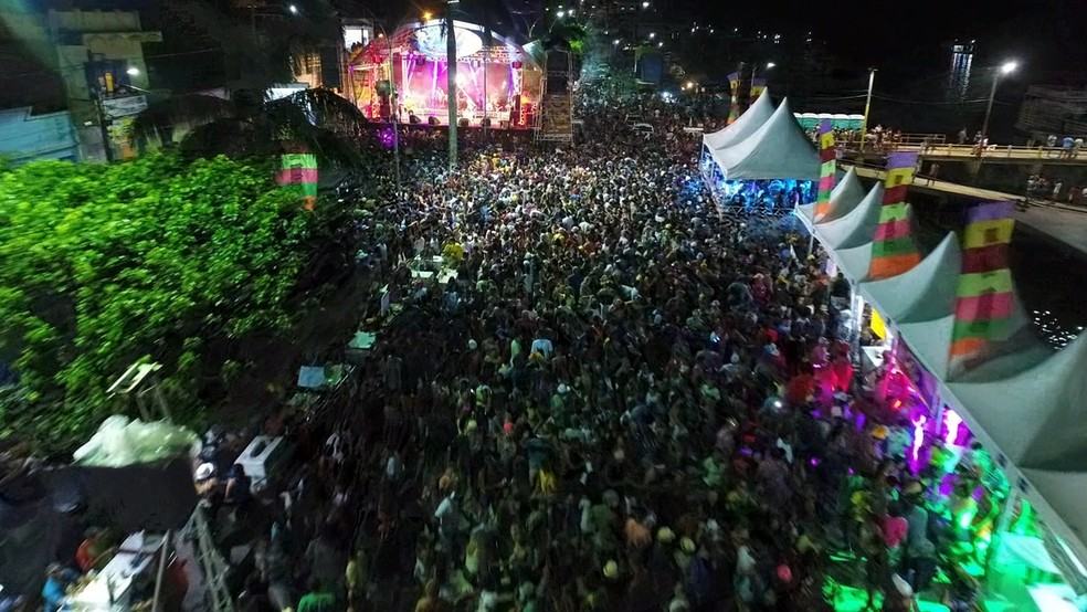 Orixifolia reúne centenas de pessoas em arrastão de Carnaval — Foto: Ascom Prefeitura de Oriximiná/Divulgação