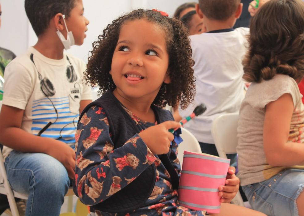 Mariane Soares de quatro aninhos aguarda resultado da última ressonância — Foto: Lucimário Souza/ TV Grande Rio