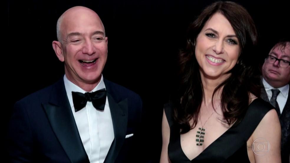 Bezos e MacKenzie Scott  — Foto: Reprodução TV Globo