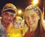 Debby Lagranha com o marido, Leandro, e a filha, Maria Eduarda | Reprodução