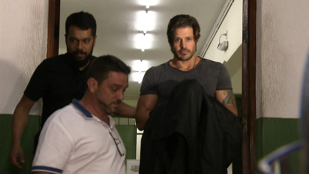 Ator Dado Dolabella é preso em SP após não pagar pensão alimentícia a um dos filhos (Foto: Reprodução TV Globo)