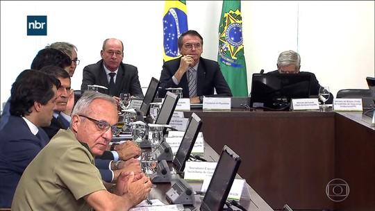 Bolsonaro convoca reunião de emergência para discutir Venezuela