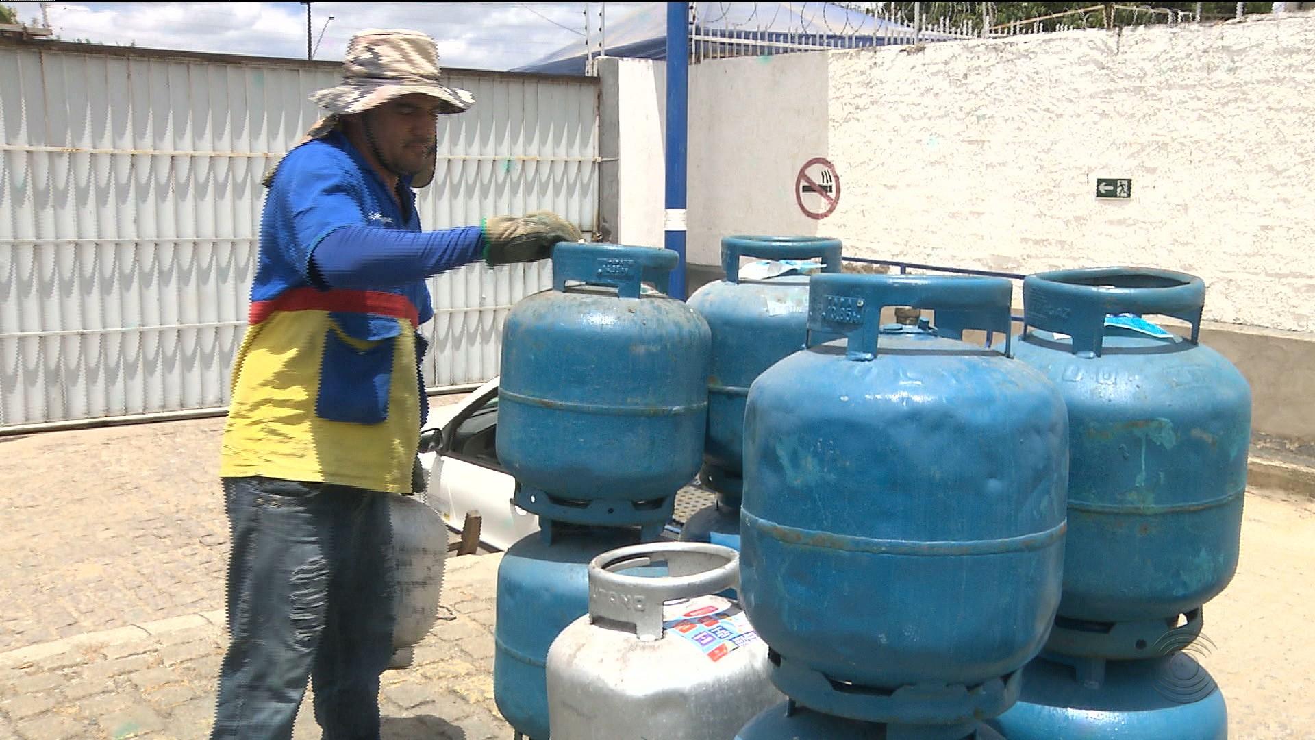 Menor preço do gás de cozinha é de R$ 82,00 em João Pessoa, segundo Procon