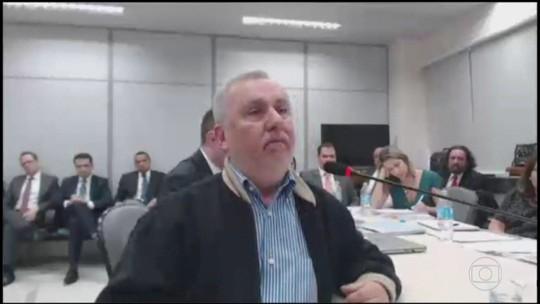 Bumlai diz que compra do sítio era uma surpresa para Lula