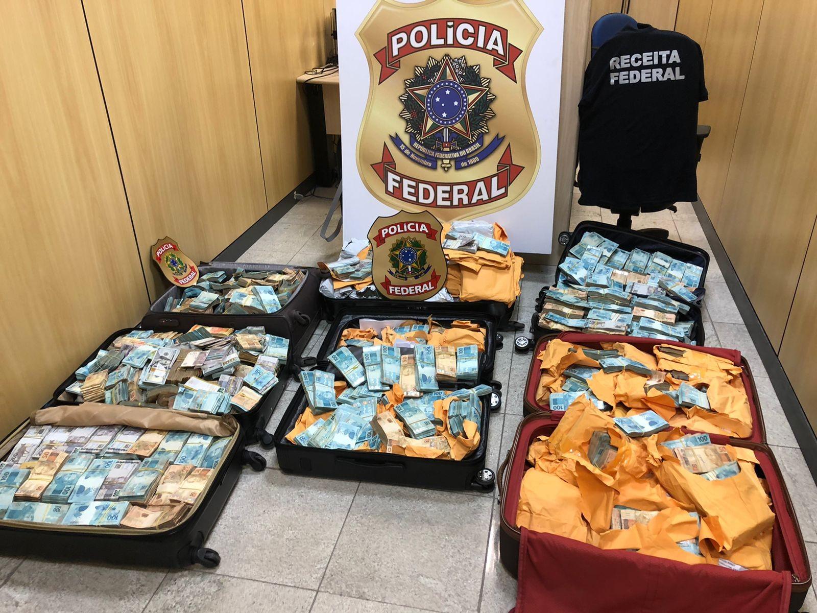 Empresa de criptomoedas recebeu R$ 1,7 milhão em dinheiro de moradores da Favela do Lixo, em Cabo Frio; PF suspeita que seja de traficantes