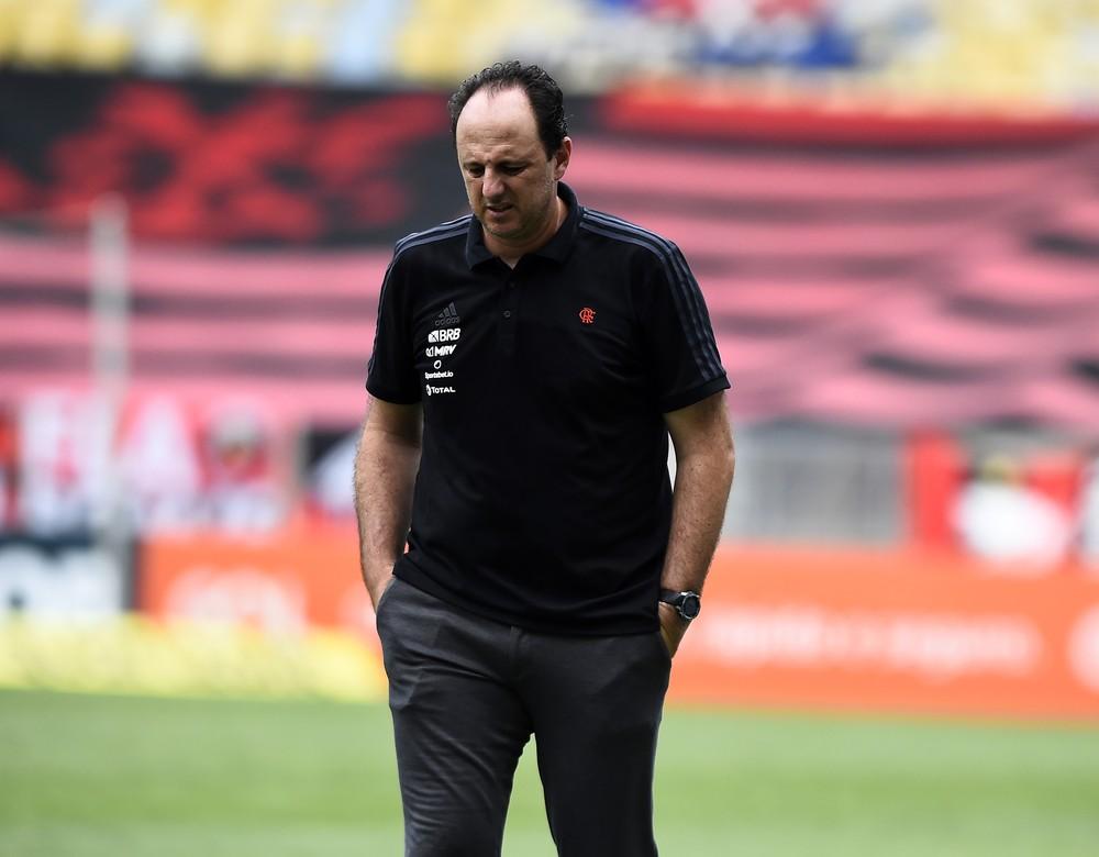 Diretoria do Flamengo faz mea-culpa, não vê Rogério Ceni como único responsável e busca ajustes no futebol