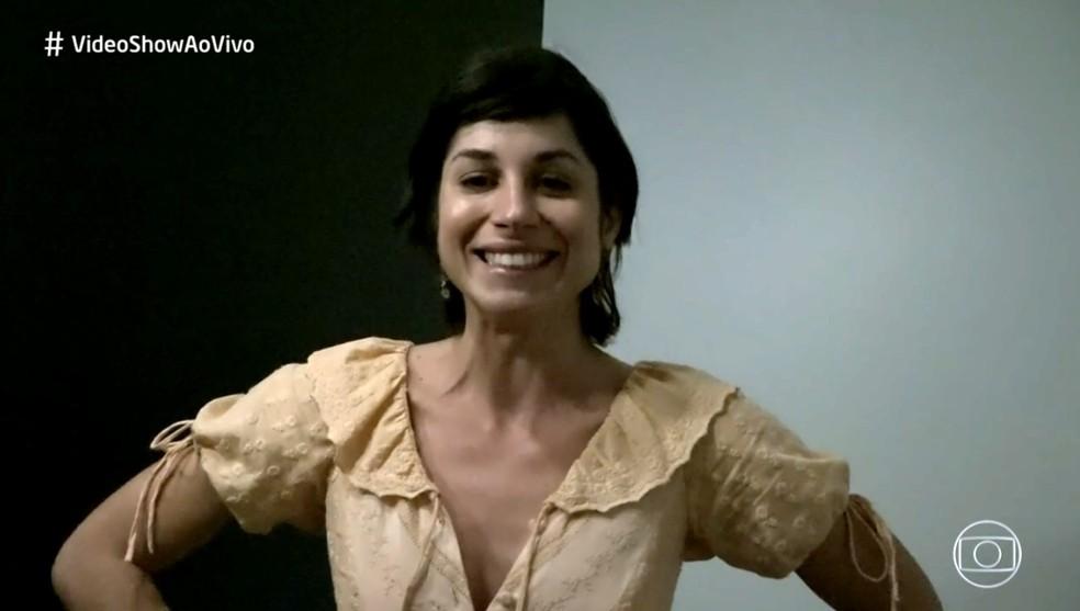Chandelly Braz de despede dos fios longos em 'Orgulho e Paixão' (Foto: TV Globo)