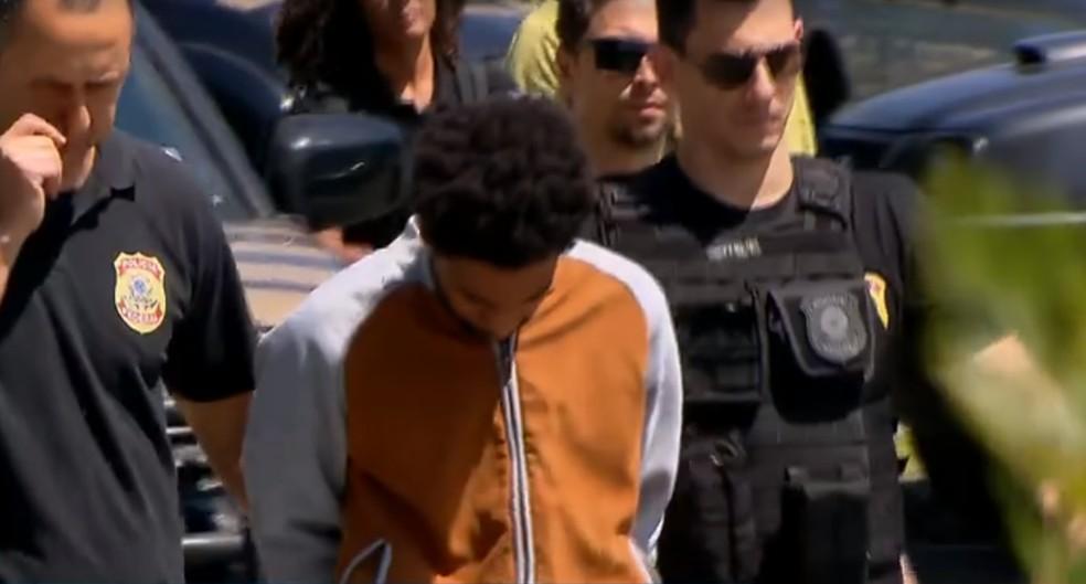 Professor quando foi preso na operação — Foto: Reprodução/TV Globo