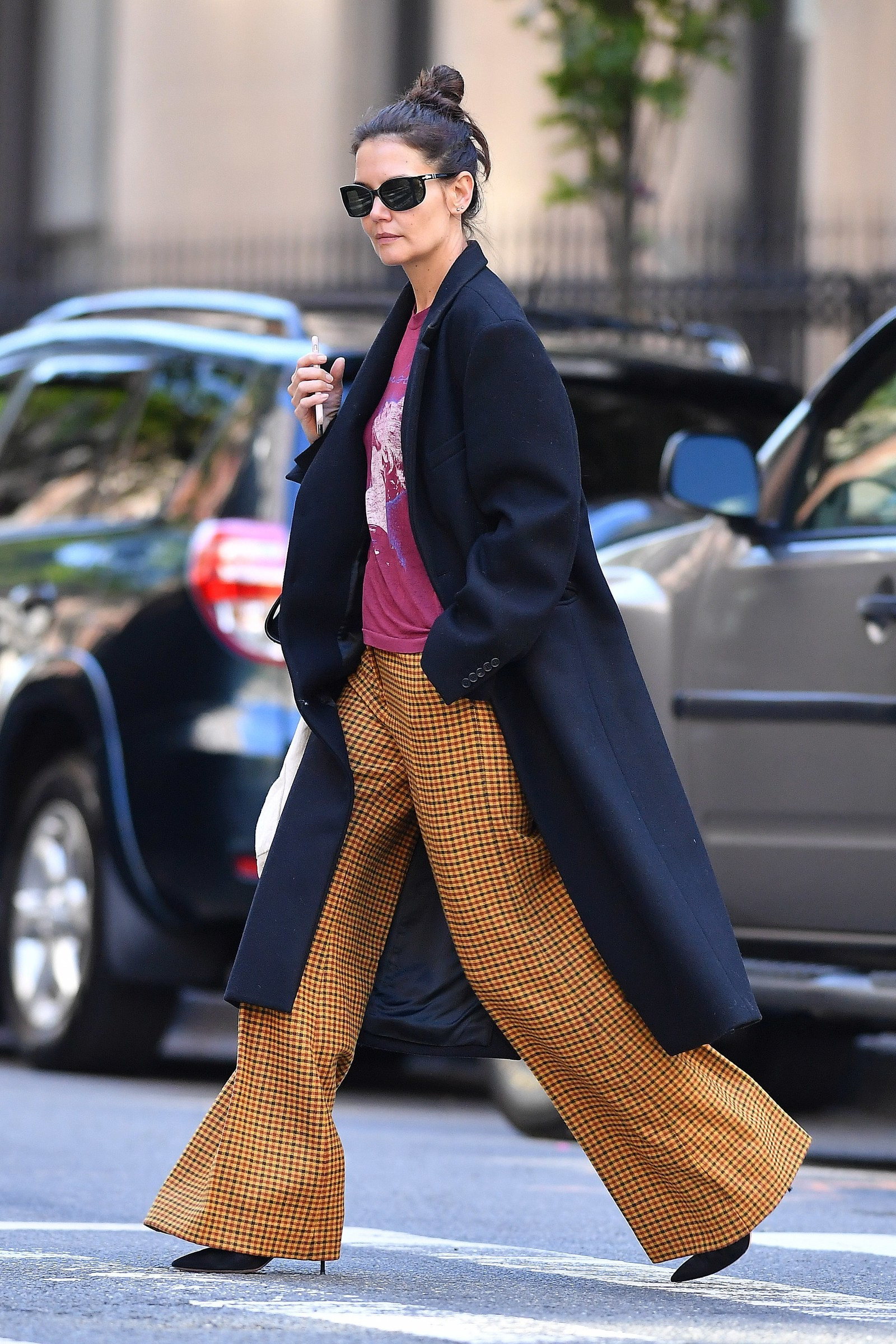 Katie Holmes em Nova York (Foto: Vogue Runway/ Splash News)