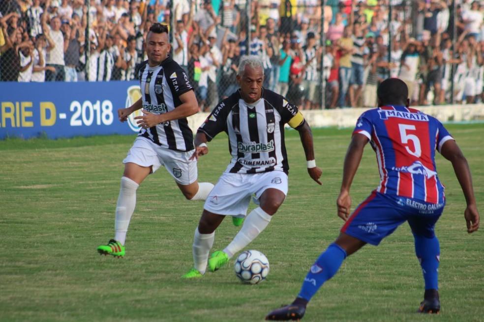 O Treze aposta na experiência de Marcelinho Paraíba para sair da Série D neste ano. Para tanto, terá que passar por times desconhecidos (Foto: Ramon Smith / Treze)