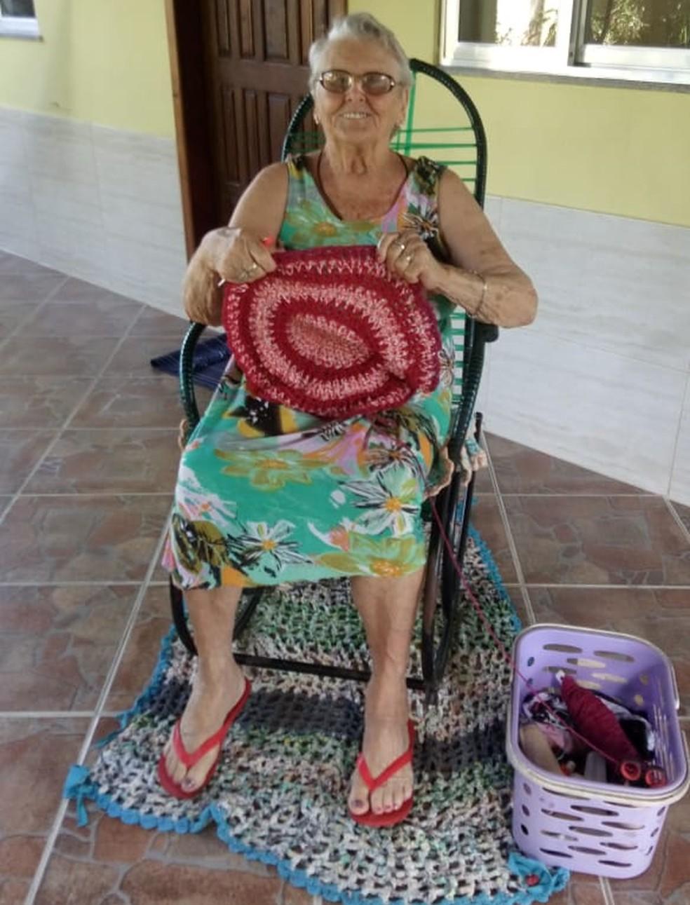 Crochê é o passatempo de Maria Rita (Foto: Jaqueline Martins | Arquivo Pessoal)