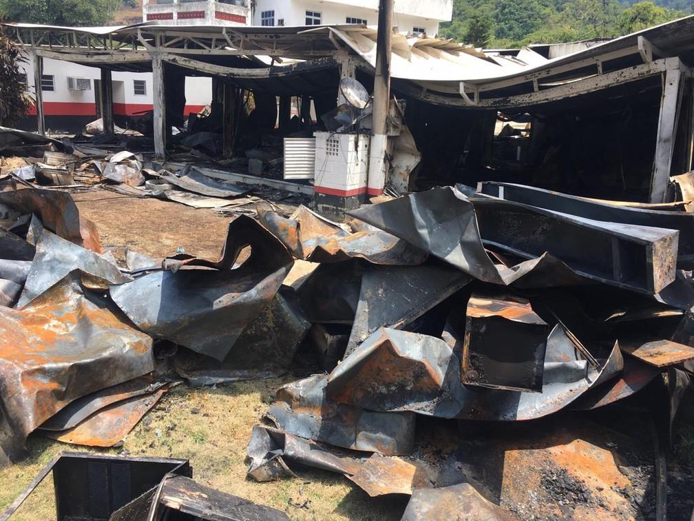 Imagens mostram como ficou o alojamento do Ninho do Urubu após incêndio — Foto: Leslie Leitão/TV Globo