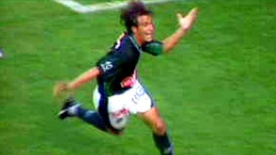 Corintiano na infância, Léo lembra show no Pacaembu na última vitória do Guarani sobre o Timão