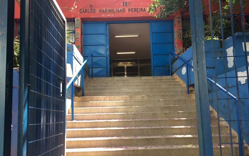 Escola onde Gegê estudou, segundo promotores (Foto: Kleber Tomaz/G1)