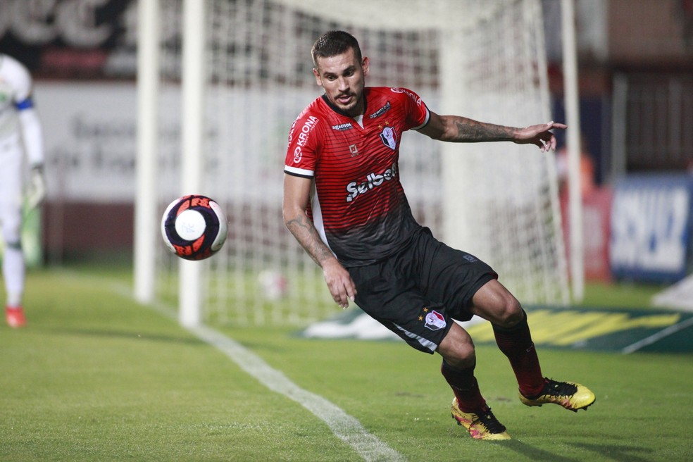 Danrlei disputou a Série C do Brasileirão pelo Joinville (Foto: Beto Lima/JEC)