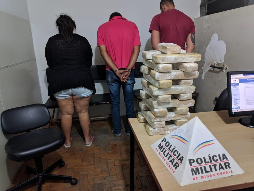 Droga seria entregue a um homem em Curvelo — Foto: Polícia Militar/Divulgação