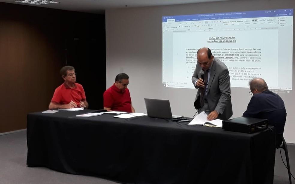 ... Reunião do Conselho Deliberativo do CRB decidiu manter Marcos Barbosa  no cargo — Foto  Rafael 4b0cc84cdfe0d