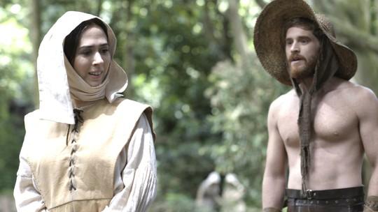 Cirillo Luna abala o coração da personagem de Tatá Werneck em 'Deus Salve o Rei'