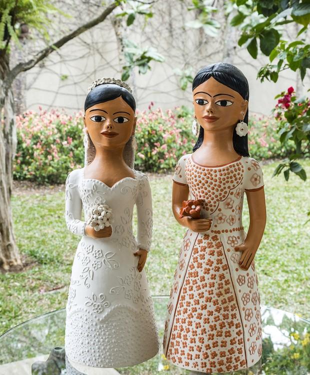 De Minas Gerais, mas precisamente do Vale do Jequitinhonha, chegam as bonecas de cerâmica coloridas (Foto: Artesol/Divulgação)