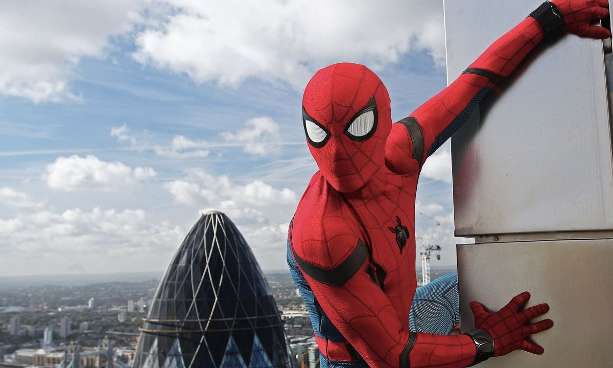 Resultado de imagem para homem aranha longe de casa