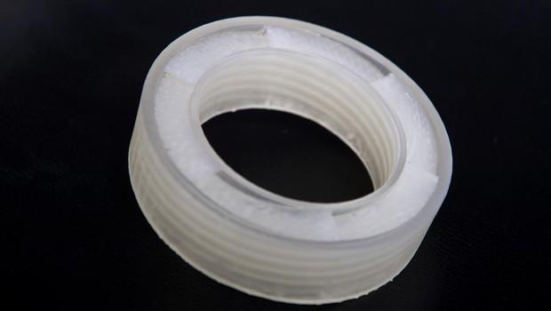 Metamaterial desenvolvido pela Universidade de Boston (Foto: Divulgação )