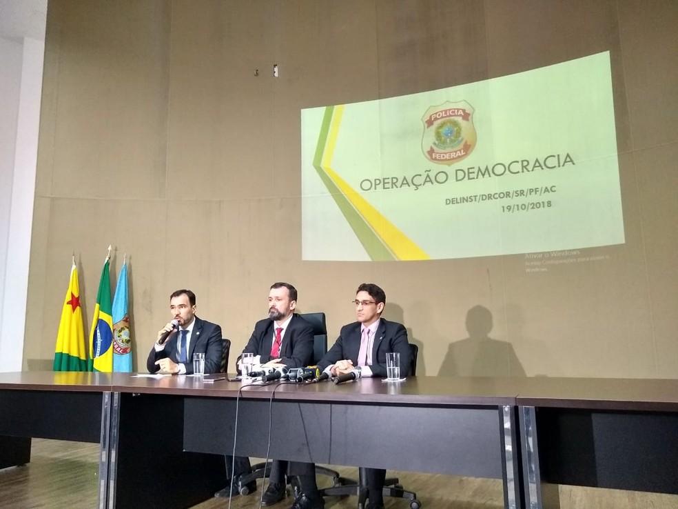Delegados deram detalhes sobre o esquema de desvio de verbas e compra de votos no Iteracre — Foto: Quésia Melo/G1