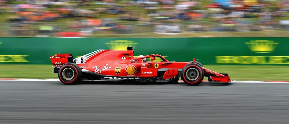 Vettel se aproximou da Mercedes no terceiro treino livre (Foto: Getty Images)