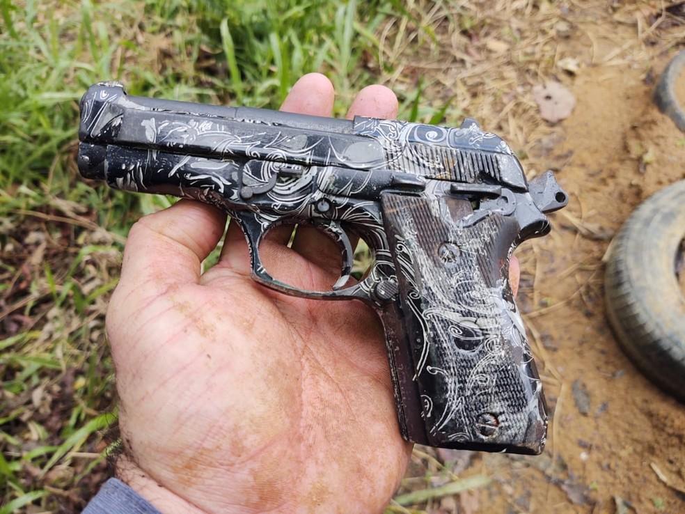 Homem é baleado e preso após arremessar drogas e arma dentro do presídio de Salvador — Foto: Divulgação / Sindap