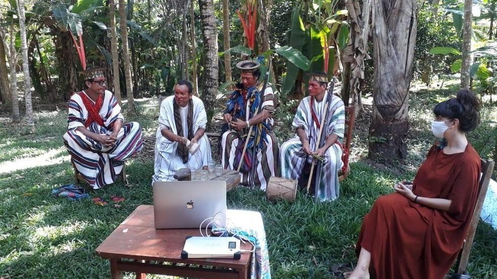 Em julho, líderes indígenas se reuniram em uma live para arrecadar dinheiro e ajudar povos da floresta durante a pandemia  — Foto: Reprodução