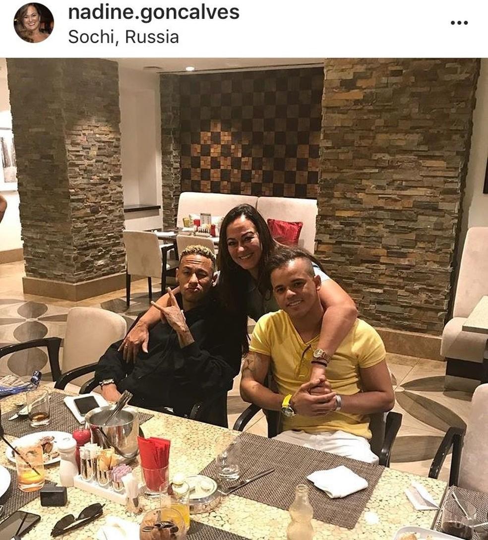 Foto postada por mãe de Neymar mostra o novo visual do atacante (Foto: Reprodução / Instagram)