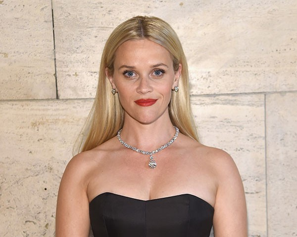 Reese Witherspoon com sobracelhas discretas (Foto: Getty Images)