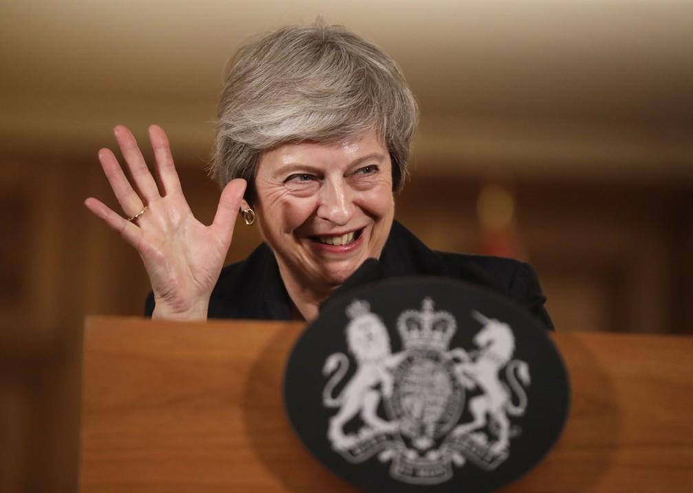 Theresa May defende acordo sobre o Brexit com a União Europeia em entrevista coletiva na última semana — Foto: AP/Matt Dunham