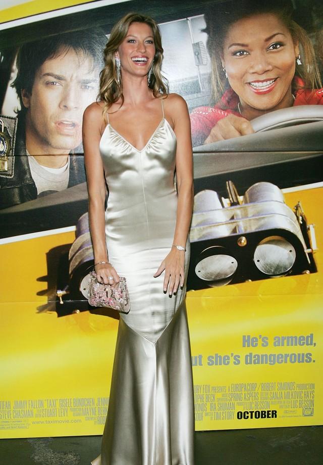 Gisele Bündchen na pré-estreia de seu primeiro filme, Taxi, em 2004. (Foto: Getty Images)