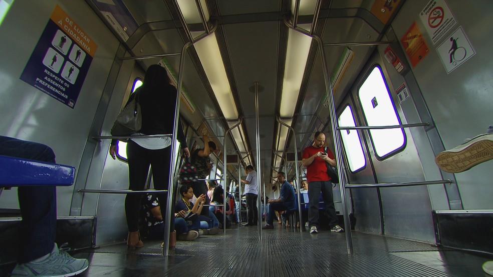 Interior de um vagão do Metrô no DF — Foto: Luis Rodnei/TV Globo