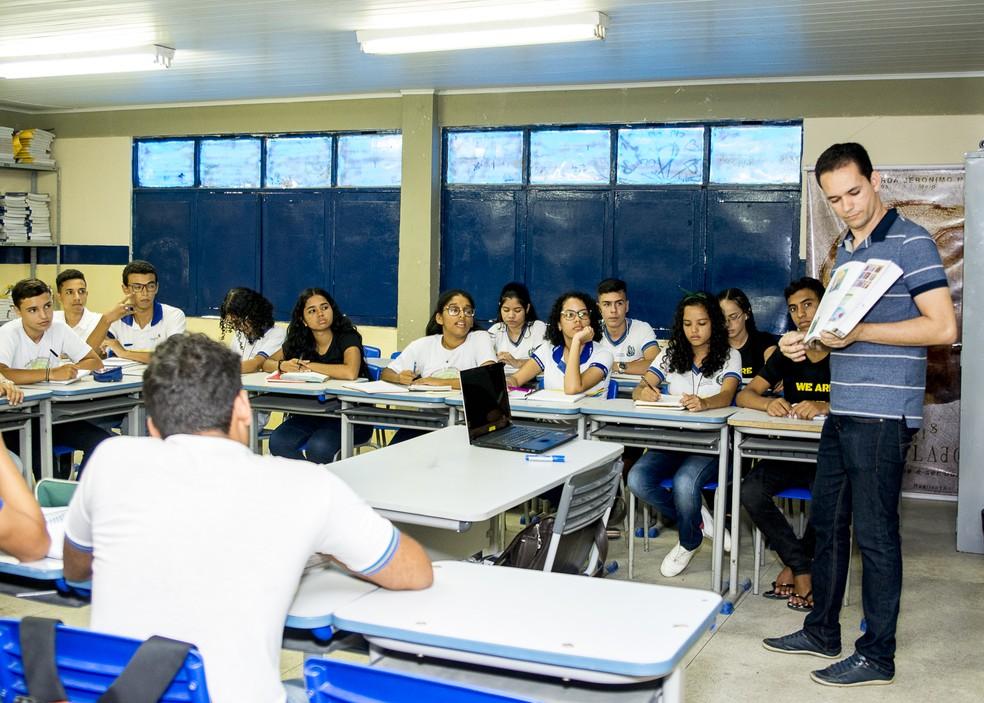 Jayse Ferreira dando aula. — Foto: Arquivo Pessoal