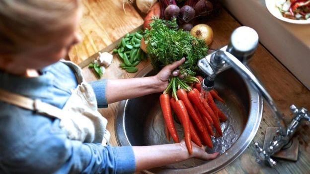 As cenouras são ricas em nitratos provenientes do solo em que são cultivadas (Foto: Getty Images via BBC News)